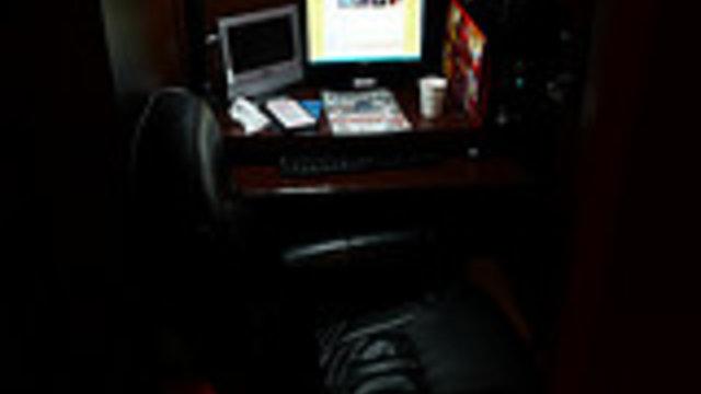 Tagsüber auf Jobsuche, nachts im Internetcafé