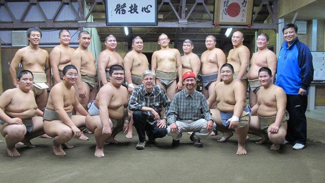 Mit der Kraft des Sumo-Ringers
