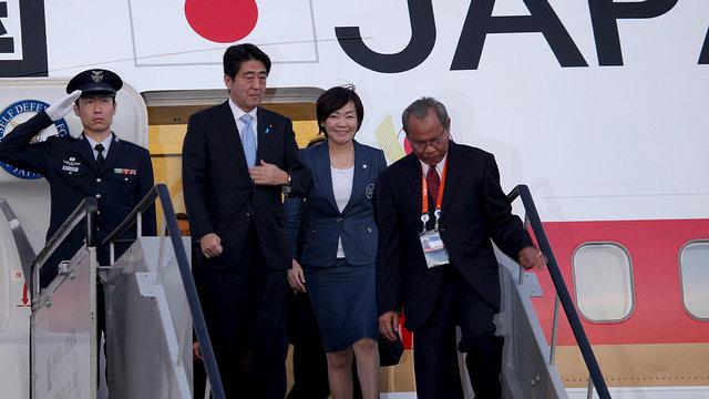Abe widerspricht Koizumi
