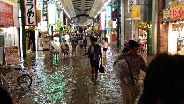 Hochwasser in der Einkaufspassage