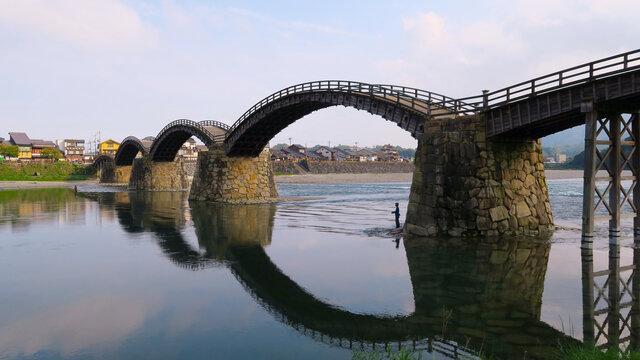 Japans einzigartige Holzbrücke