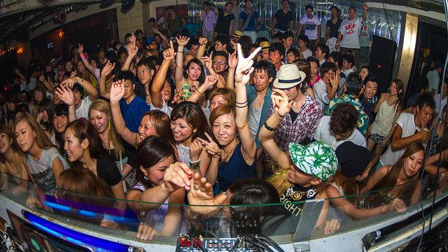 Japan erlaubt das Tanzen