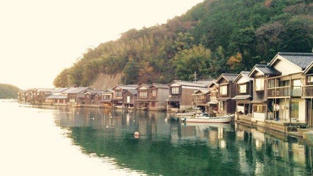 Die Bootshäuser von Ine