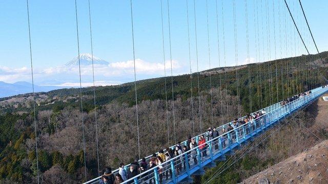 Eine Brücke für den Fuji