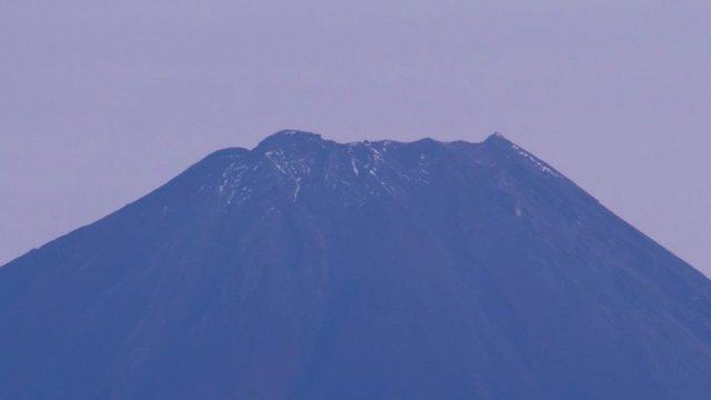 Fuji: Der späte erste Schnee