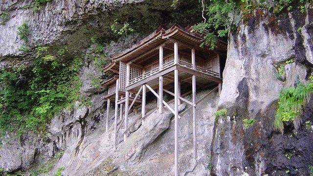 Nageiredo: Der schwebende Tempel