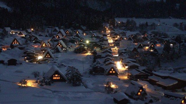 Shirakawago: Das historische Bergdorf im Schnee