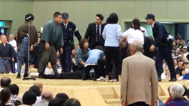 Frauen im Sumo-Ring unerwünscht