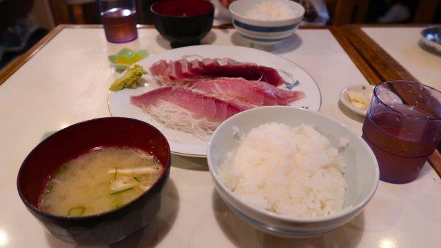 Japans beste Esskultur: Essen im lokalen Fischmarkt