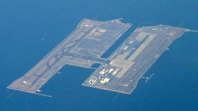 Die Flughafeninsel von Osaka