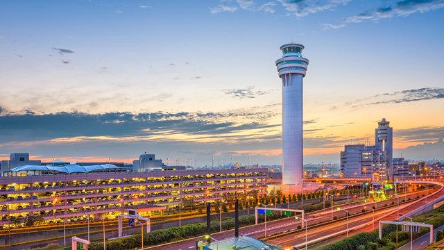 In 18 Minuten vom Flughafen Haneda bis zum Bahnhof Tokio