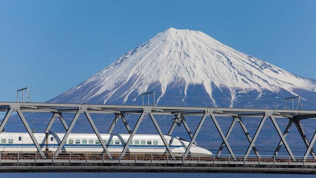 Shinkansen: Englisch-Durchsagen mit Akzent