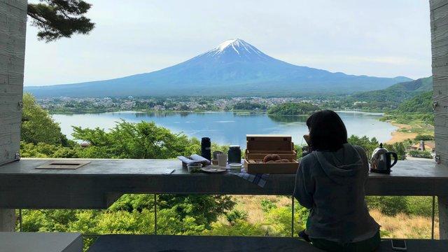 Frühstück vor dem Fuji, die Stadt der Udon-Nudeln & eiskaltes Bier