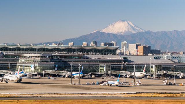 Mit dem Schiff vom Flughafen Haneda nach Tokio