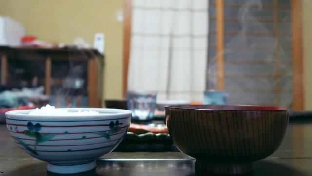 Reis und Miso: Die Essenz der japanischen Esskultur