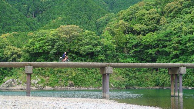 Velofahren abseits der Touristenströme