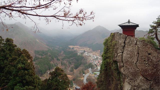 Yamadera: 1000 Stufen zum Bergtempel