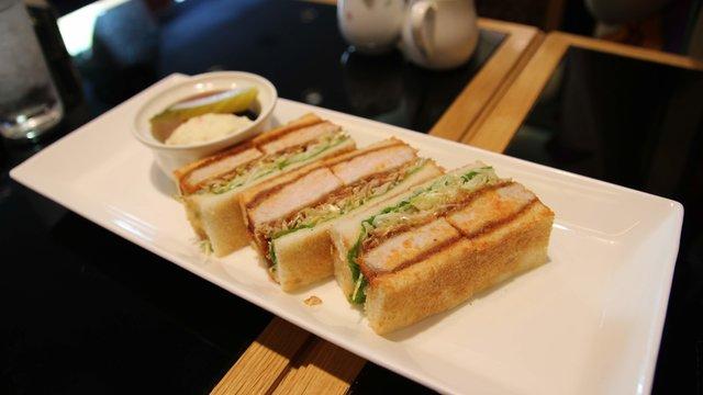 Katsu-Sando: Das japanische Schnitzel-Sandwich