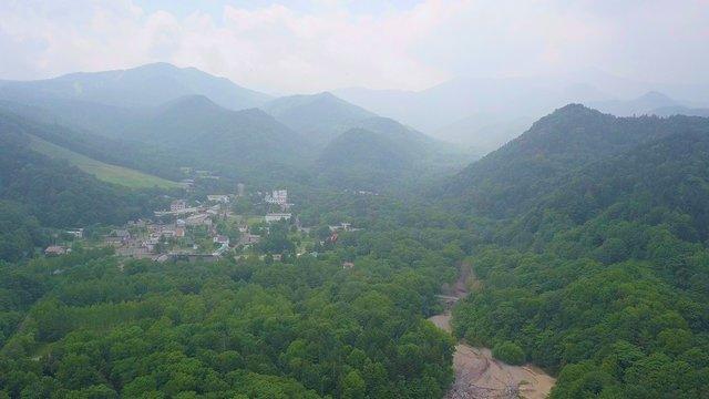 Das abgeschiedene Dorf in der Bergwelt von Hokkaido