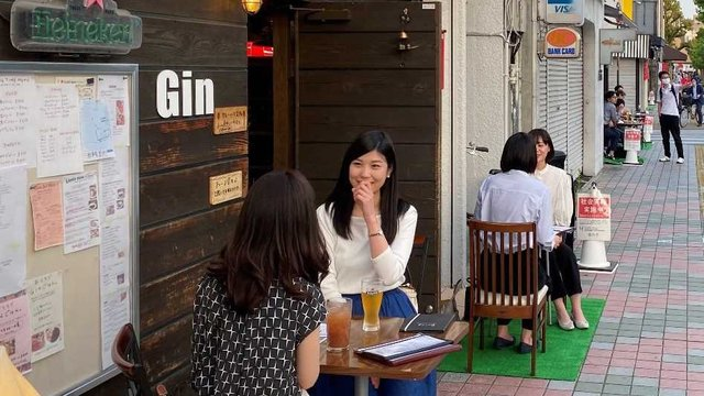 Mehr Strassencafés für Japan