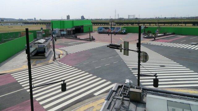 Der nachgebaute Scramble Crossing von Shibuya
